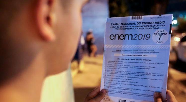 images 13 - MEC confirma que fotos do Enem vazaram antes do fim da prova