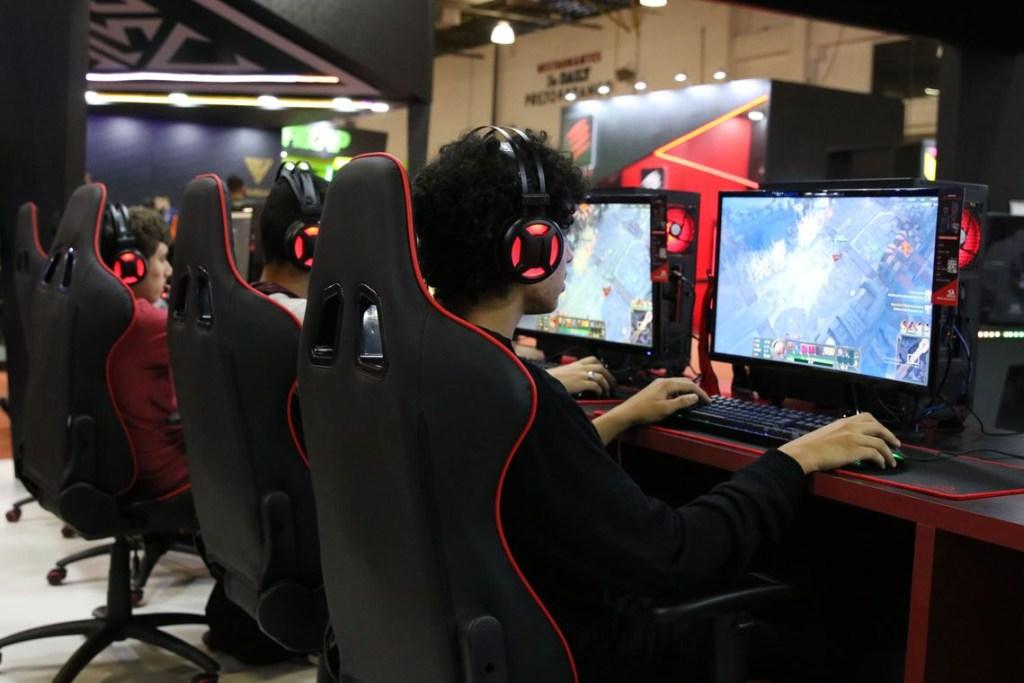 img 2848 1024x683 - China vai restringir jogos online em 90 minutos por dia útil