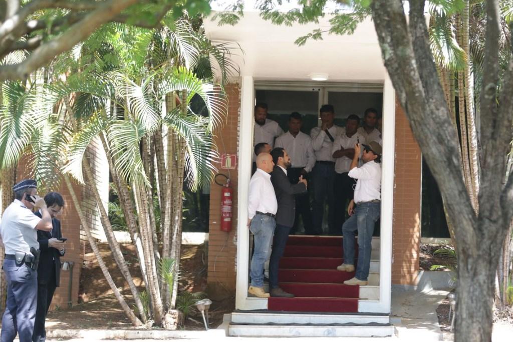 jfcrz 131119abr 2696 1024x683 - Apoiadores de Guaidó deixam embaixada venezuelana em Brasília