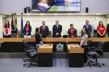 Deputado Bosco Carneiro preside sessão especial em homenagem a Rede de Mulheres Advogadas em Sororidade