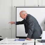 mau chefe - 8 em cada 10 profissionais pedem demissão por causa do chefe - VEJA MOTIVOS