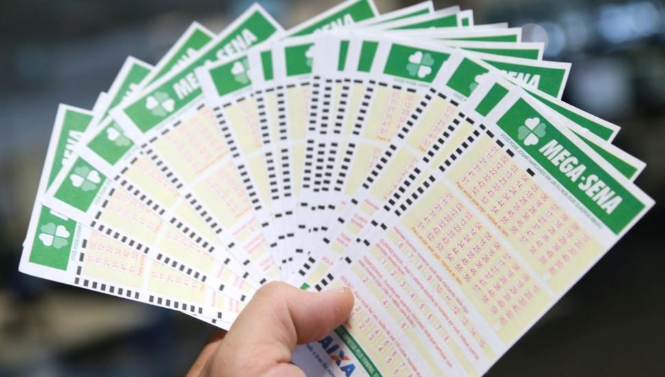 mega sena felipe rosa tribuna 970x550 - Aposta no interior da PB acerta cinco dezenas da Mega-Sena e ganha mais de R$ 42 mil
