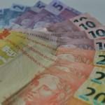 notas 50 20 10 05 02 1 - Com Selic em queda, poupança pode passar a render menos que a inflação