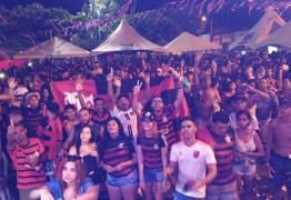 Torcedores paraibanos comemoram título da Libertadores do Flamengo