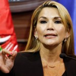 xJeanineAnez03.jpg.pagespeed.ic .En5cwE9pW1 - GOLPE NA BOLÍVIA: Com parlamento vazio, senadora se autoproclama presidenta do país