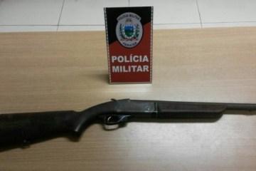11220 15760 - Dupla é presa com espingarda calibre 12 e maconha em Gramame