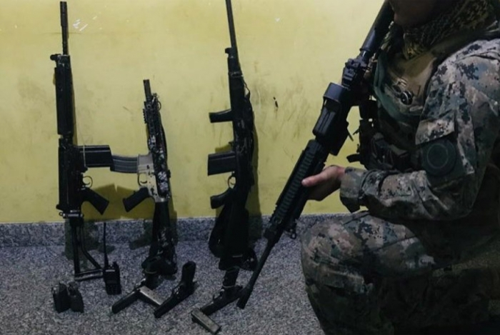 1 fuzis 14774689 - Bope apreende três fuzis, pistolas e duas granadas em operação