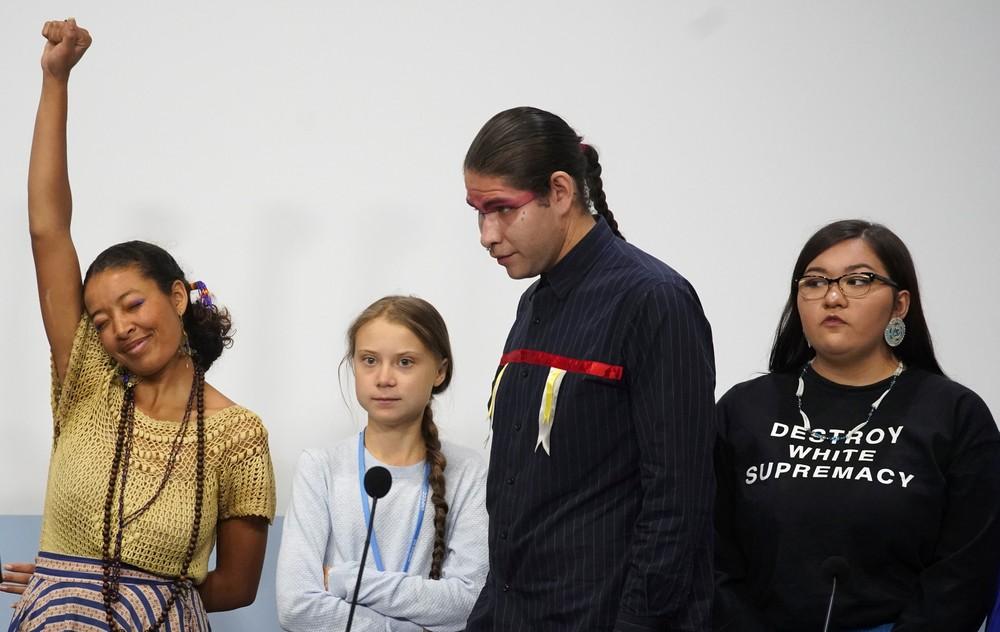 """2019 12 09t163034z 1 lynxmpefb81ch rtroptp 4 ambiente greta indios clima - """"PIRRALHA"""": Bolsonaro ofende Greta ao comentar post da ativista sobre morte de índios - VEJA VÍDEO"""