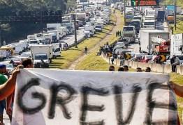 O PESADELO SE APROXIMA: Caminhoneiros confirmam início da greve às 6h do dia 16