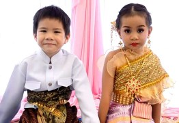 SUPERSTIÇÕES: Gêmeos de 6 anos se casam para quebrar feitiço – VEJA VÍDEO