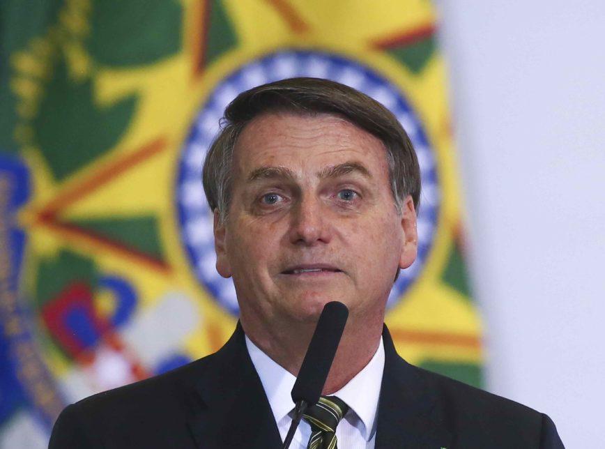 Bolsonaro 300 1 868x644 - Um ano de Bolsonaro: com economia e democracia fortes, 2019 mitou - por Mario Rosa