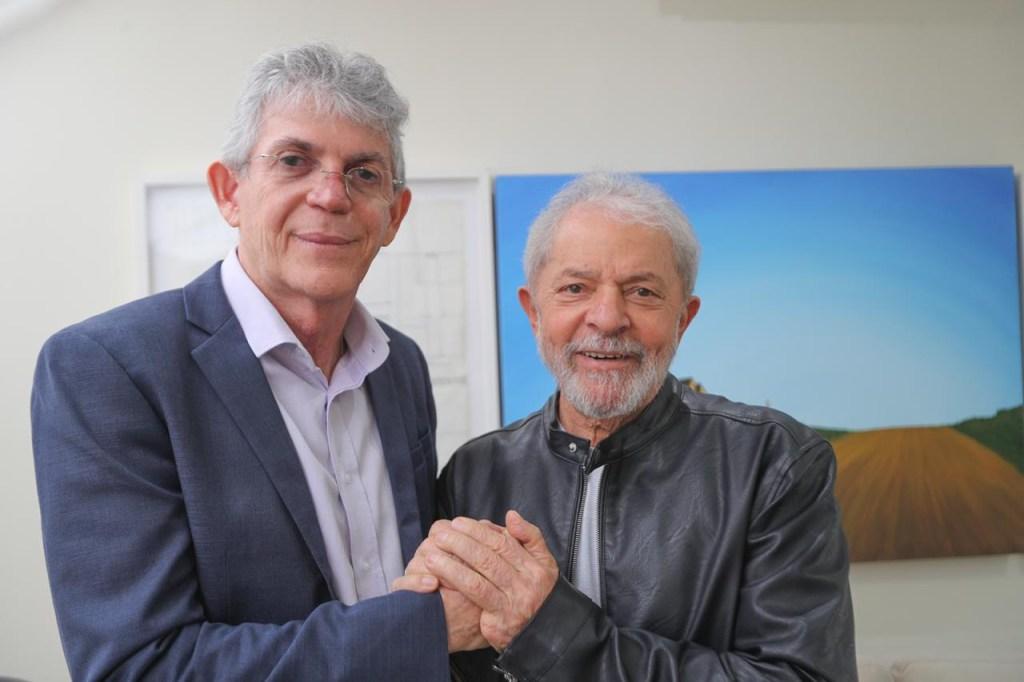 Lula e Coutinho 1024x682 - SOLIDARIEDADE AO ALIADO: 'Até que se prove, ele é inocente', diz Lula sobre Ricardo Coutinho - VEJA VÍDEO