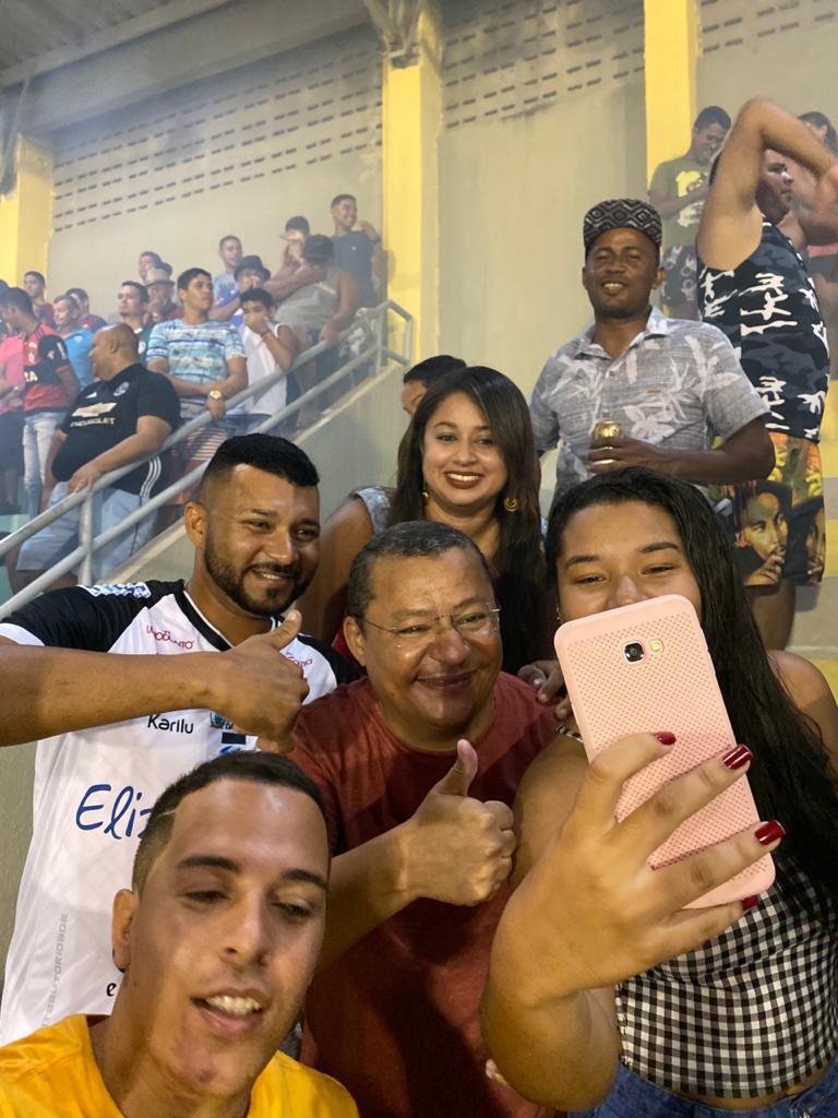 WhatsApp Image 2019 12 01 at 08.10.06 1 - COPA DE BAIRROS: Ruy Carneiro e Nilvan Ferreira comparecem à final de jogo em JP e fazem 'corpo a corpo' com torcida