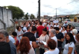 PRISÃO: Em ato de solidariedade, pai de Márcia Lucena acusa 'grande injustiça'; VEJA VÍDEO