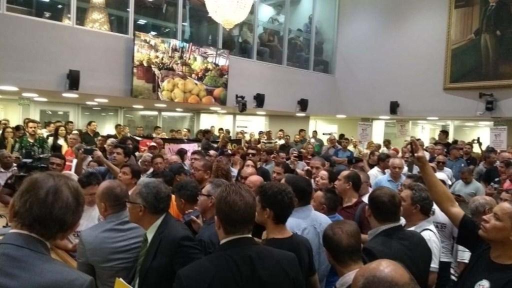 alpb5 1024x576 - REFORMA DA PREVIDÊNCIA: Servidores da PM ocupam plenário e pedem audiência na ALPB