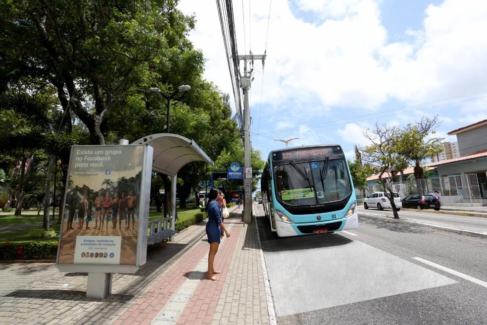 concreto avenida fortaleza parada onibus - Condenados em regime aberto, semiaberto e liberdade condicional terão gratuidade nos ônibus
