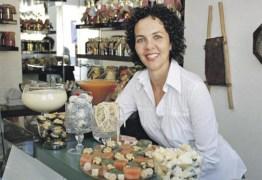 Mulher cria fábrica de doces após perder emprego e atualmente movimenta economia da sua cidade