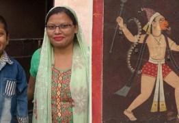 Menino com 'rabo' é adorado como deus na Índia e pais têm de escondê-lo – ENTENDA