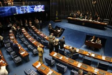 pzzb6105 - Senado aprova projeto que reestrutura Previdência dos militares