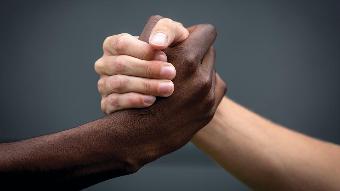 racismo e injuria racial og - Pedagoga é acusada de cometer injúria racial contra garçom na Capital