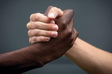 racismo e injuria racial og - O ESTIGMA DA COR DA PELE - Por Rui Leitão