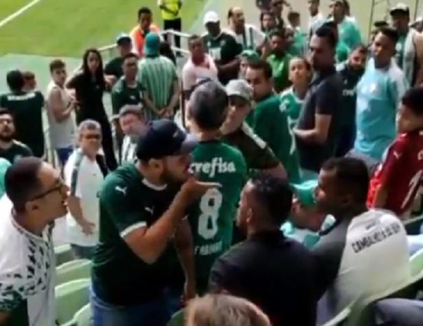 tpdjtd lance - Torcedores são expulsos da arena por não estarem com camisa do Palmeiras - VEJA VÍDEO