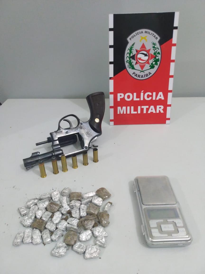 unnamed 2 - Polícia apreende arma e drogas com acusado de homicídio em Santa Rita
