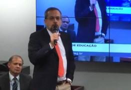 SEM PROVAS: Ministro repete que há plantações de maconha e laboratórios de drogas nas universidades federais