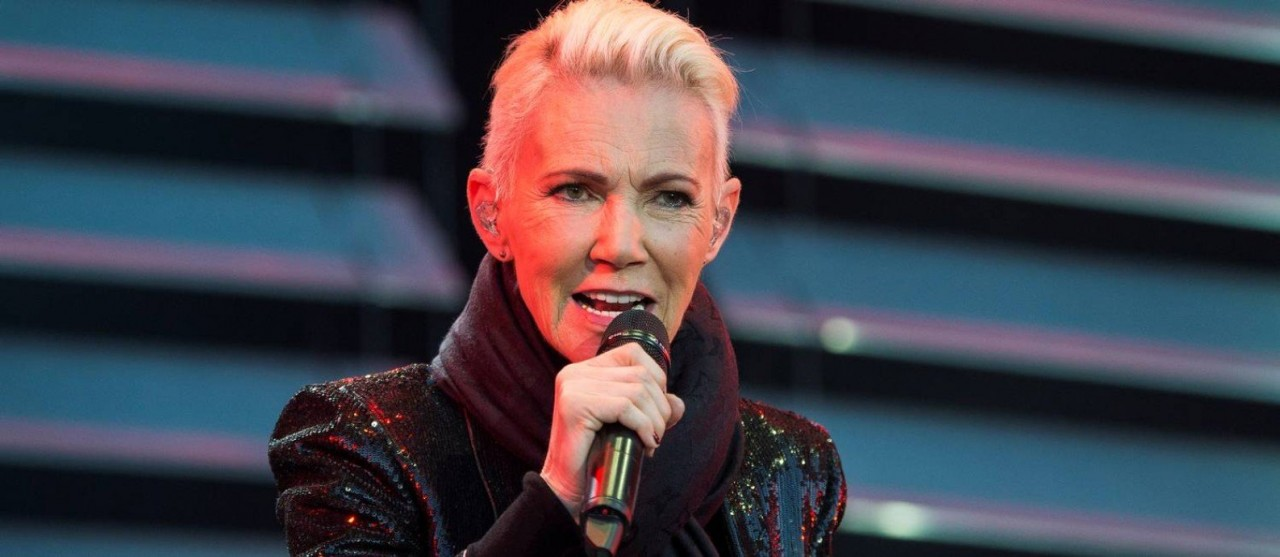 xMarie Fredriksson of pop band Roxette sings during a concert at Fredriksskans in Kalmar Swe.jpg.pagespeed.ic .CzWwizejZJ - Morre Marie Fredriksson, vocalista do Roxette, aos 61 anos