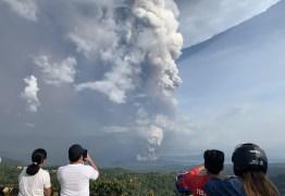 Após erupção de vulcão, Filipinas entram em alerta máximo