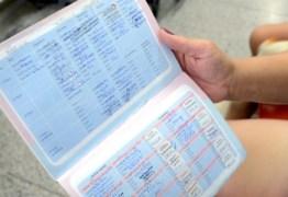 Pais devem levar cartão de vacina para matricular filhos em escolas da Paraíba