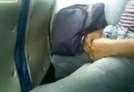 Jovem é preso suspeito de se masturbar em ônibus