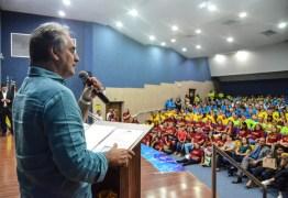 TODAS AS CATEGORIAS: Cartaxo anuncia reajuste linear para servidores públicos de João Pessoa