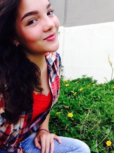 Arruti01 - Morre dubladora de Elsa de Frozen, aos 21 anos