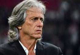 Jorge Jesus se emociona em discurso de despedida do Flamengo