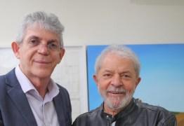 """Lula diz que Ricardo Coutinho pode """"sair mais forte"""" das acusações feitas na Operação Calvário"""