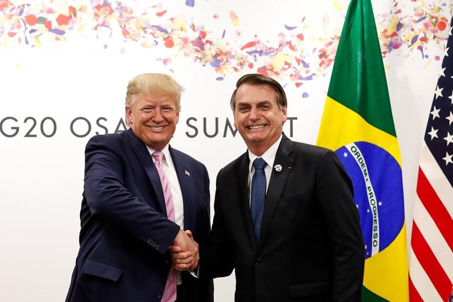 donald trump e jair bolsonaro - Bolsonaro afirma que 'jamais' pediria a Trump para mudar tratamento dado a deportados brasileiros