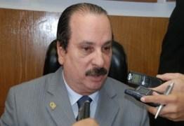 'RESPOSTA DIVINA': Durval Ferreira conta com apoio de evangélicos para concorrer a prefeitura, mas aguarda autorização de Deus