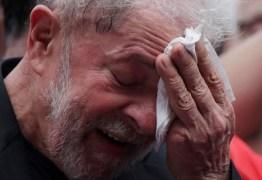 """CRÍTICAS À POLÍTICA ECONÔMICA: Lula vê """"sociedade obrigada a achar maravilhoso entregar pizza de Uber"""""""