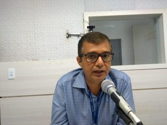 gerente regional da Cagepa Lucílio Vieira 3 556x417 - Cagepa garante que água em Campina Grande atende padrões de potabilidade