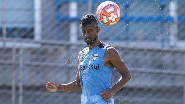 images 1 3 - Botafogo-PB define prazo para encerrar negociação com Léo Moura