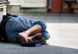 Morador de rua sofre ataque homofóbico