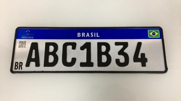 placa mercosul versao atual 1567442938759 v2 750x421 - Defendida por Bolsonaro, Placa Mercosul mais simples facilita clonagens