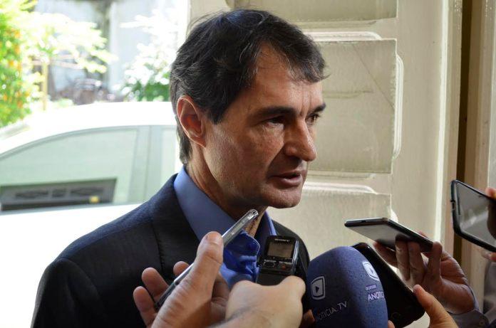 romero rodrigues cg - Romero Rodrigues afirma que cabe ao governo arcar com custos de água e esgoto de outras cidades e não Campina Grande