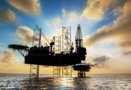 Governo estuda usar royalties extras para conter impacto da alta do petróleo no preço da gasolina