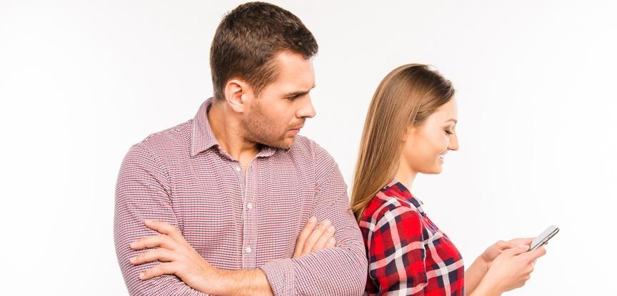 1 traicao - TECNOLOGIA A FAVOR DO CHIFRE: Aplicativo oferece 'vantagens' exclusivas para mulheres que queiram trair seus parceiros - ENTENDA