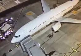 Quarto avião com brasileiros deportados dos EUA chega em Belo Horizonte
