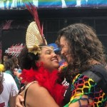 8wnescackoxbnollmhzugp67x - Mônica Benício usa camiseta com frase 'Quem mandou matar Marielle?' e curte o Carnaval com sua nova companheira