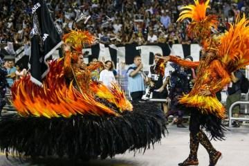 Gaviões da Fiel, Mocidade Alegre e Vila Maria são destaques em São Paulo