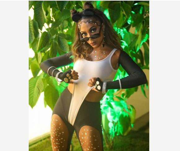 Capturar4 - Anitta usa look ousado para protestar contra extinção dos pandas chineses - VEJA VÍDEO
